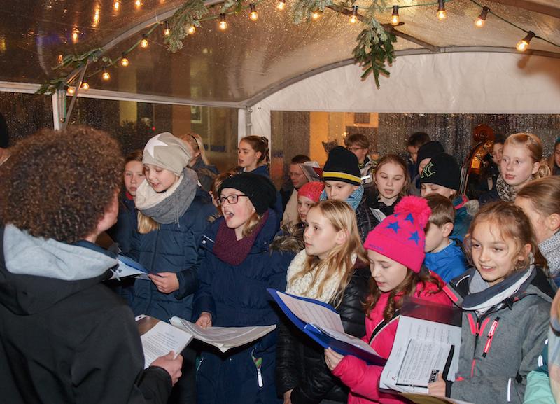 Auftritt der Musikklasse auf dem Weihnachtsmarkt 2015