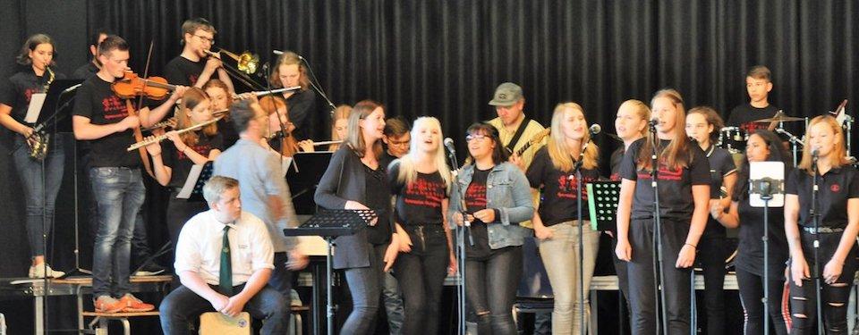 Die Mischung macht's: Wenn das Lingener Männerquartett auf Georgie's Groove Orchestra trifft