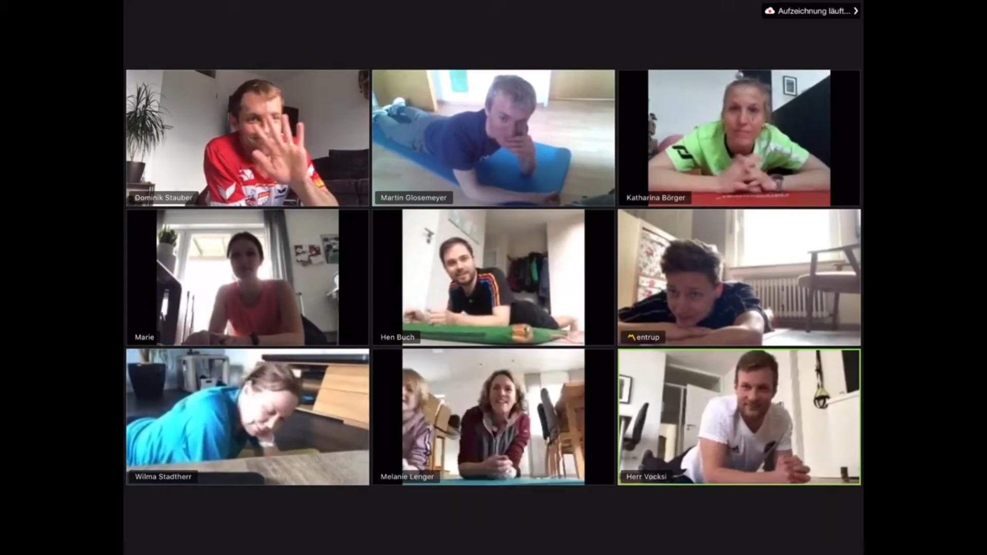 Highlight bei der 30-Tage-Plank-Challenge – Videokonferenz mit neun Lehrkräften